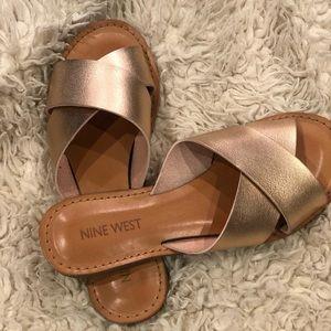 Nine West rose gold sandal size 35 US 5